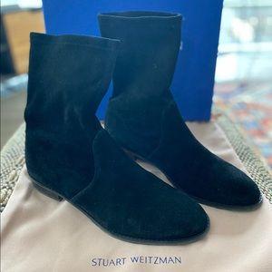 Stuart Weitzman LILENE SUEDE BOOTIE, size 8.5.